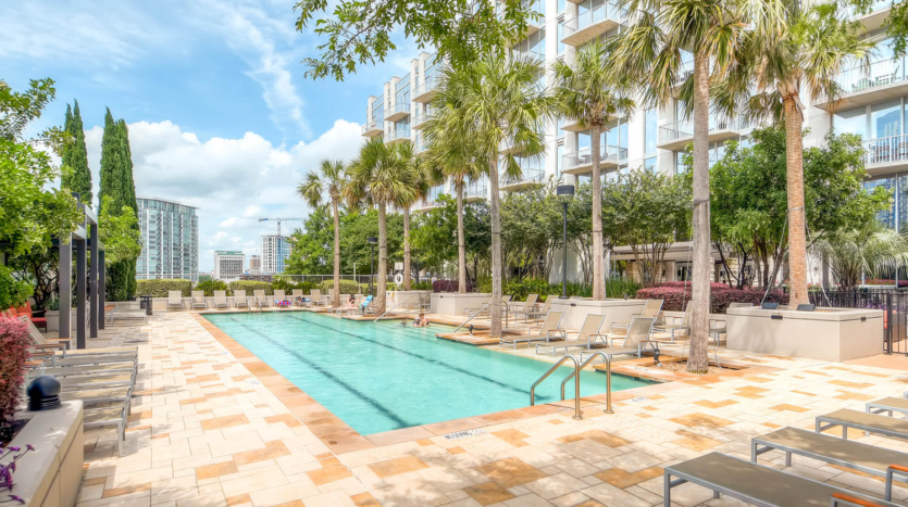 Austin 360 Condos Pool