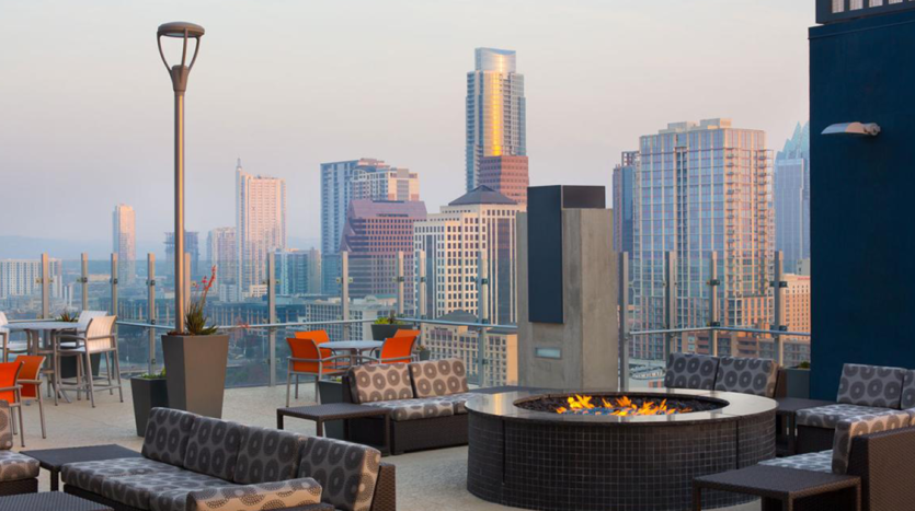 SkyHouse Austin Rooftop Lounge